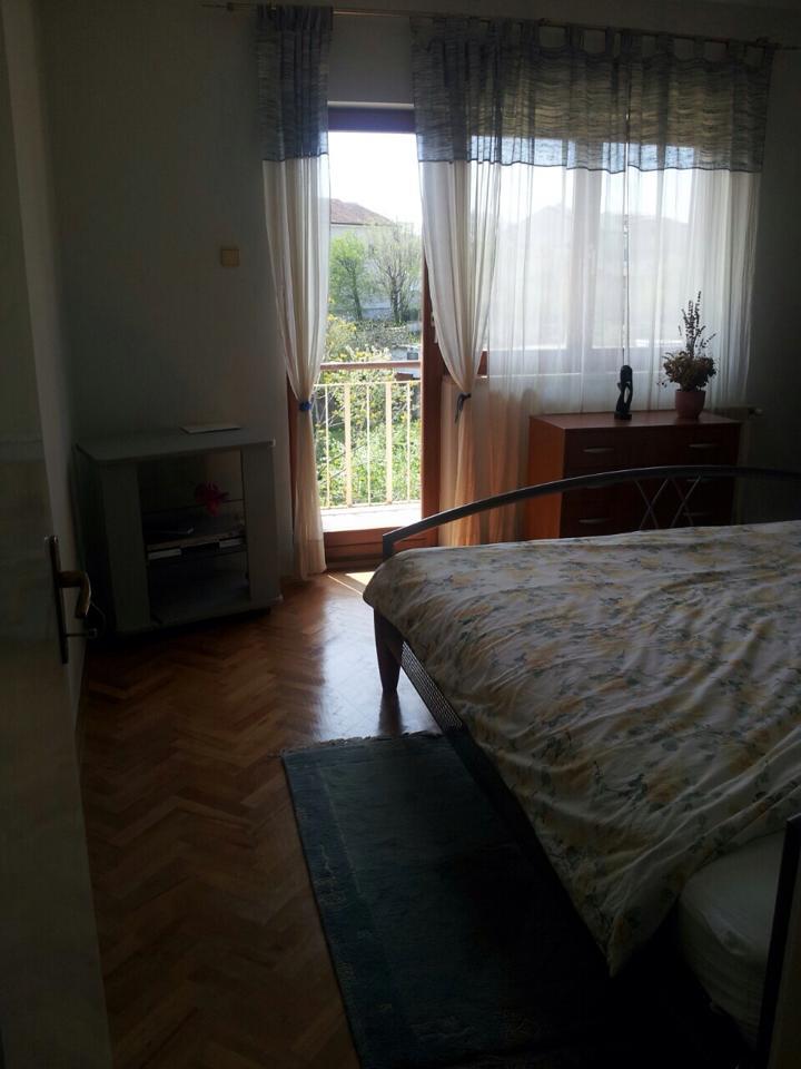 1 og schlafzimmer mit balkon 2 opatija matulji house for sale. Black Bedroom Furniture Sets. Home Design Ideas