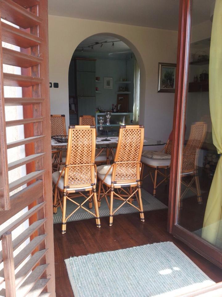 esszimmer blick von aussen opatija matulji house for sale. Black Bedroom Furniture Sets. Home Design Ideas